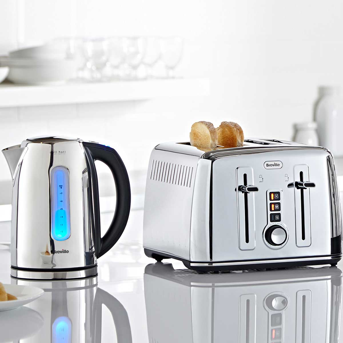 Polished stainless steel kettle and toaster set perfect for Perfect kitchen stainless
